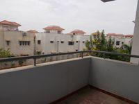 13J6U00384: Balcony 2