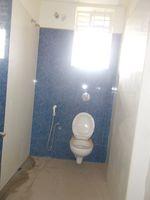 13J6U00384: Bathroom 3