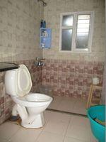 10A8U00320: Bathroom 3