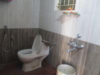 12F2U00022: Bathroom 2