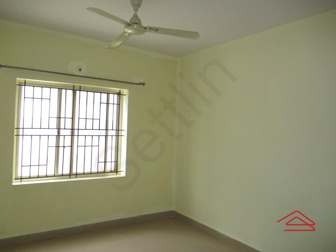 15J7U00273: Bedroom 1