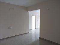 12J7U00373: Hall 1