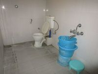 12OAU00155: Bathroom 2