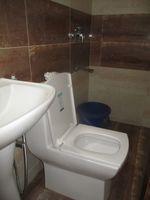12NBU00040: Bathroom 2