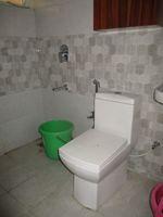 12NBU00040: Bathroom 1