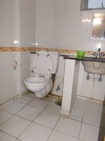 13J1U00128: Bathroom 1