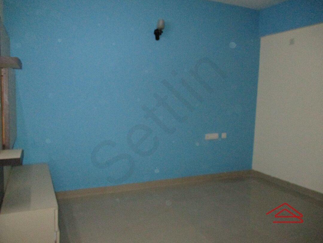 15S9U00593: Bedroom 1