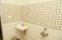 14DCU00013: Bathroom 2