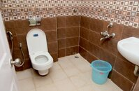 14DCU00013: Bathroom 1