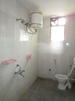 13J6U00482: Bathroom 3
