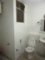 13J6U00482: Bathroom 2
