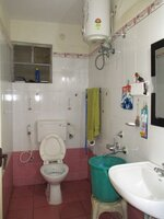 10A8U00125: Bathroom 3