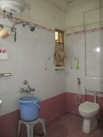 10A8U00125: Bathroom 1
