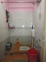 13NBU00070: Bathroom 2