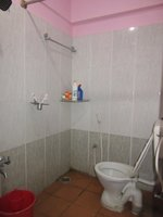 13NBU00070: Bathroom 1
