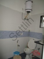 10NBU00366: Bathroom 2