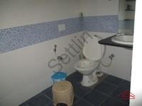 10NBU00366: Bathroom 1