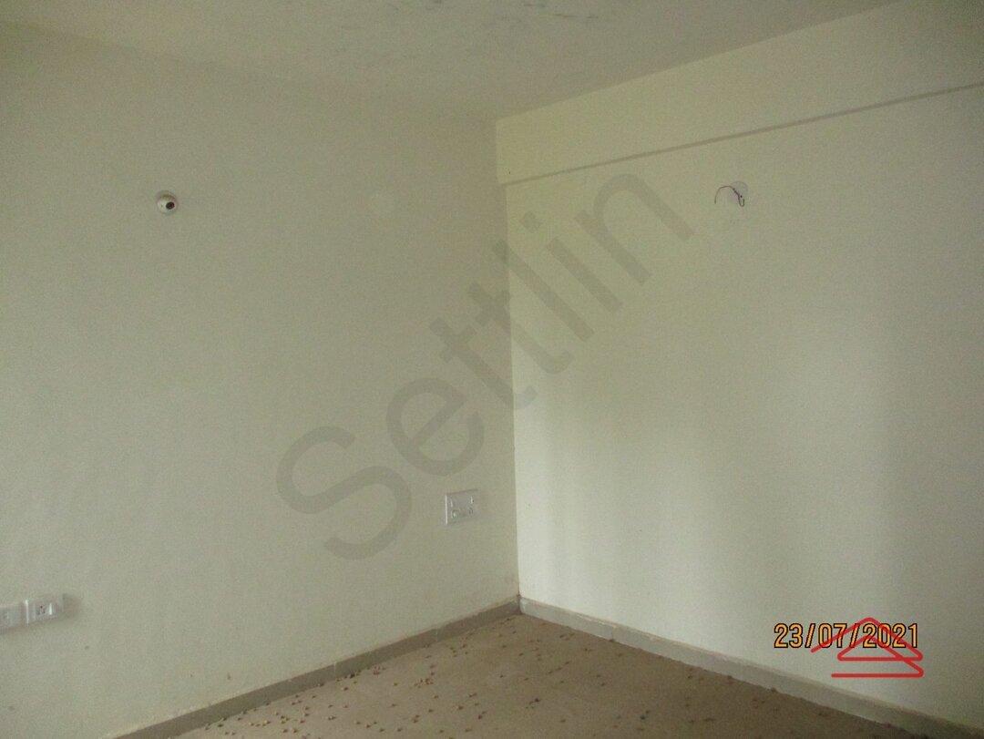 15J7U00356: Bedroom 1