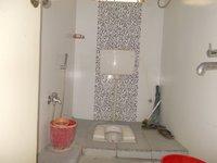 13S9U00107: Bathroom 2