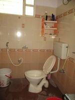 13J1U00170: Bathroom 2
