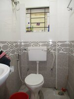 15J1U00335: Bathroom 2