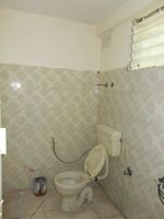 12A8U00075: Bathroom 2