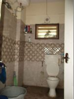 10J7U00007: Bathroom 2