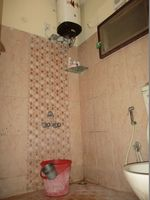 10J7U00007: Bathroom 1