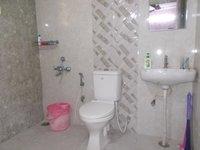 13A8U00197: Bathroom 2