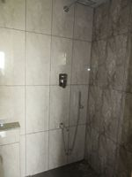 13J7U00217: Bathroom 1