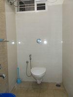 13J1U00078: Bathroom 2