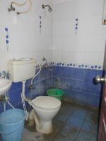 13M5U00590: Bathroom 2