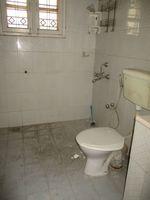 13F2U00323: Bathroom 3