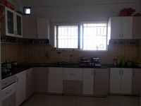 13J6U00008: Kitchen