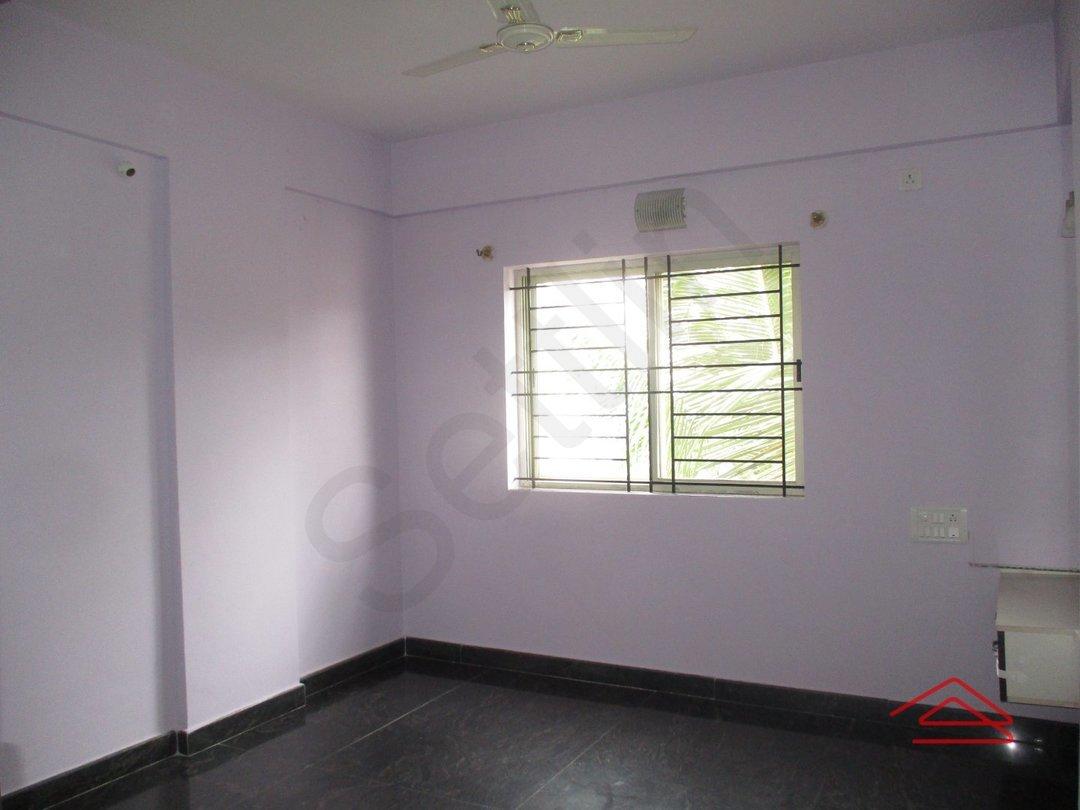 14M3U00303: Bedroom 1
