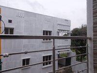 14OAU00142: balconies 1