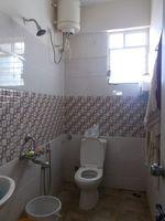 13J7U00142: Bathroom 3