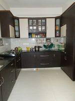 13J7U00142: Kitchen 1