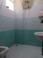12DCU00206: Bathroom 2