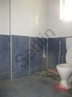 11J1U00359: Bathroom 1