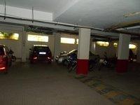 13A8U00081: parking 1