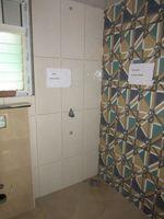 13J6U00546: Bathroom 1