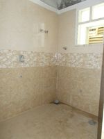 13J6U00054: Bathroom 1