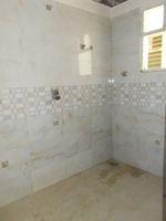13J6U00054: Bathroom 2