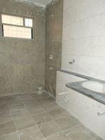13J1U00205: Bathroom 2