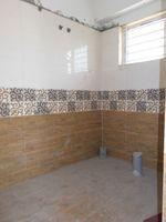 13J1U00147: Bathroom 2