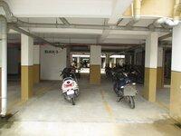 15J7U00172: parkings 1