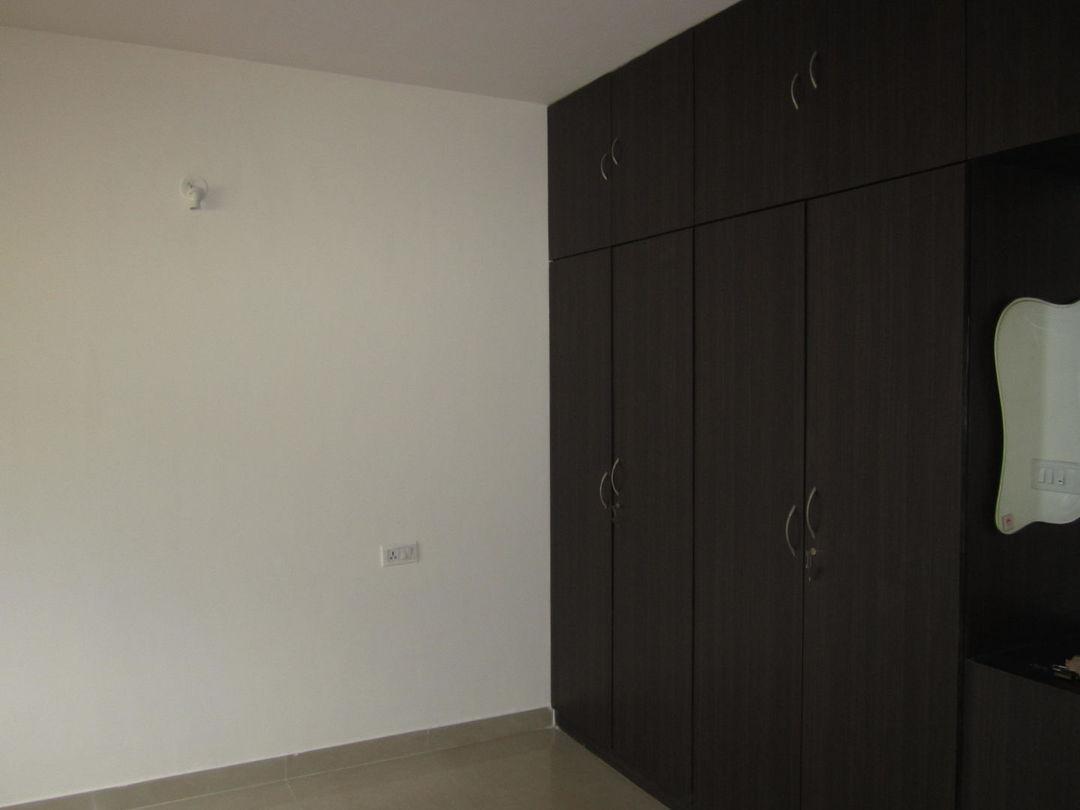 10J6U00311: Bedroom 1