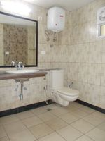 13J1U00186: Bathroom 1