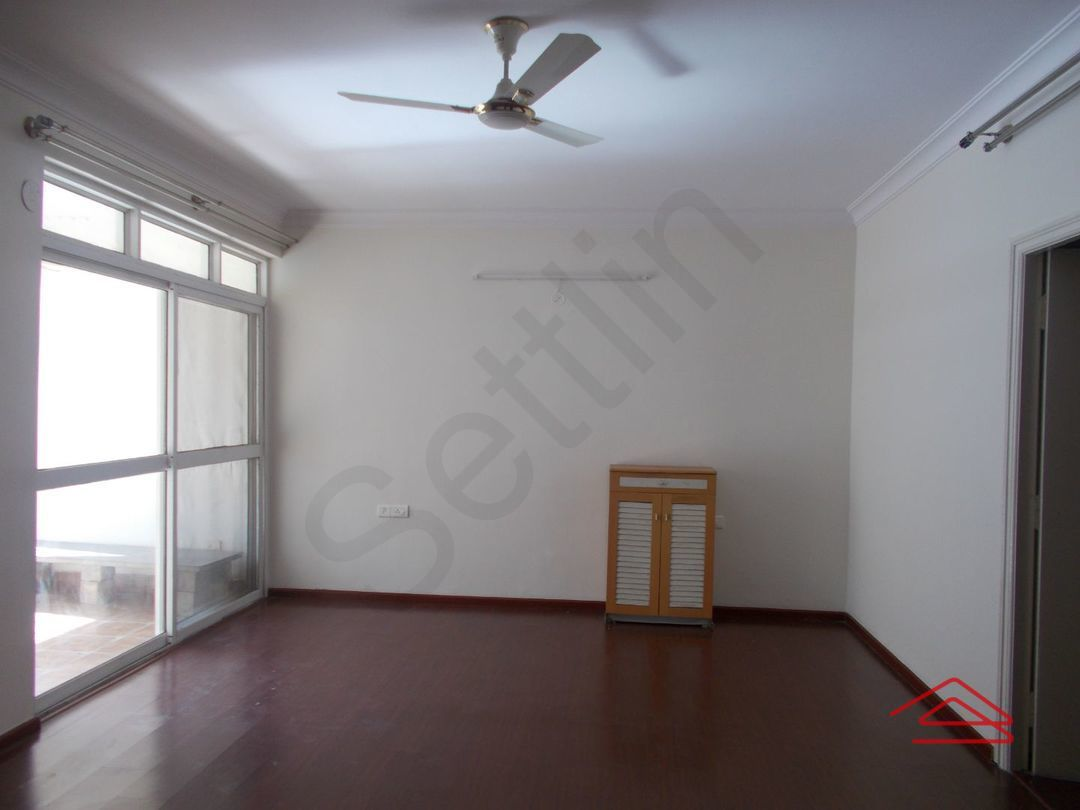 13J1U00186: Bedroom 1